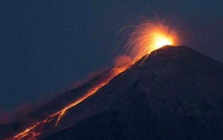 alarmante_erupcixn_del_volcxn_de_fuego_en_guatemala.jpg_793492074